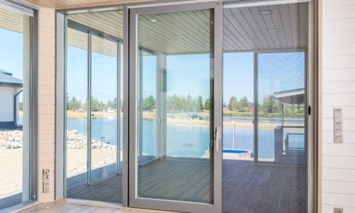 hyonteissuoja-oveen-500x300